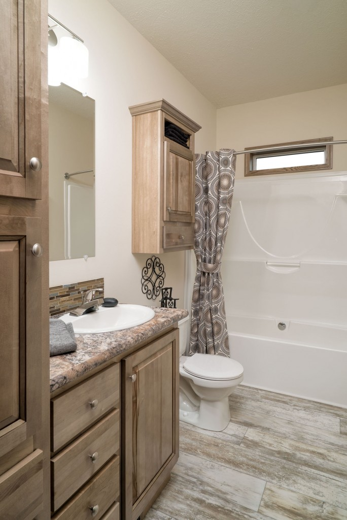 Advantage 3264-209 Bathroom