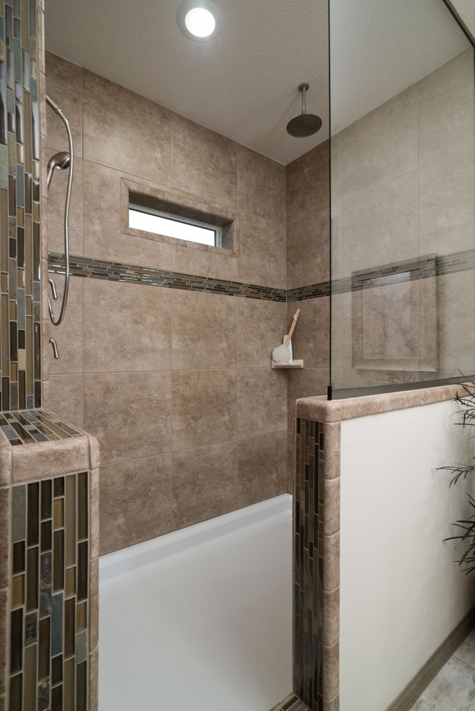 Advantage 3264-209 Master Bath Shower