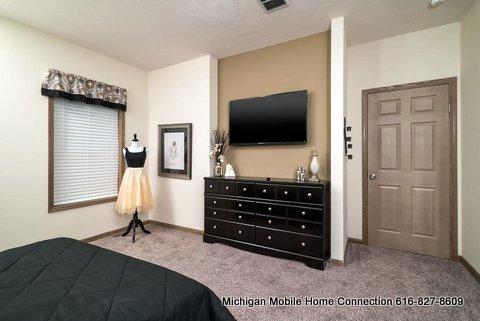 Advantage 3264-209 Master Bedroom 2