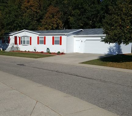 Doublewide With Attached Garage In Caledonia Schools